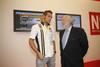 Roldán Rodríguez visita el stand de El Norte
